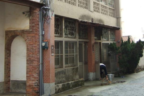 房裡老街。舊屋