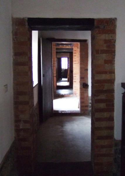 蔡泉盛號。廊