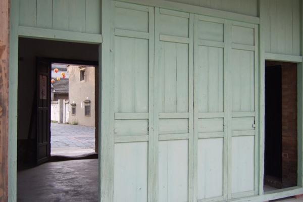 蔡泉盛號。過廊