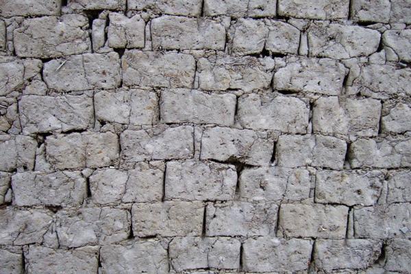 房裡老街。灰泥牛糞土埆磚
