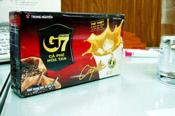 Feb. 11 秋敏姐的先生,帶回來自越南的咖啡&厚厚的心意。謝謝^^