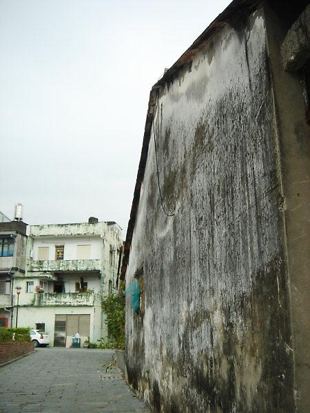 頭城老街。牆