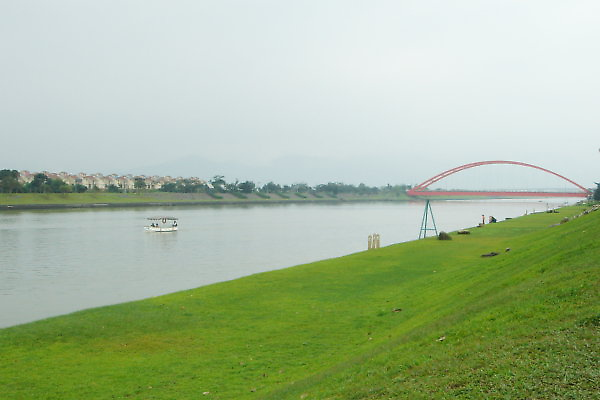 冬山河自行車道。利澤簡橋