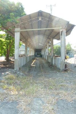 高雄。輕旅行|橋頭。台糖 荒廢的鐵道