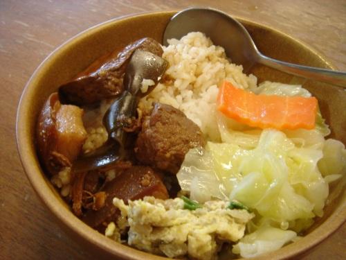 華陶窯。割稻仔飯-滷焢肉