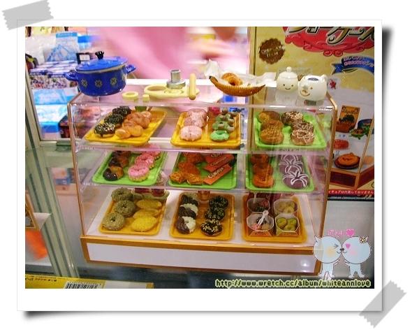 RE-MENT的甜甜圈櫃