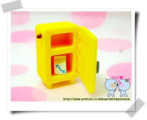 第3彈*小黃冰箱(可以打開)