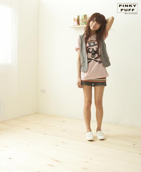 *╮ PinkyPuff小粉撲【C61109】日安晨光.日系個性骷髏印刷設計上衣 $280