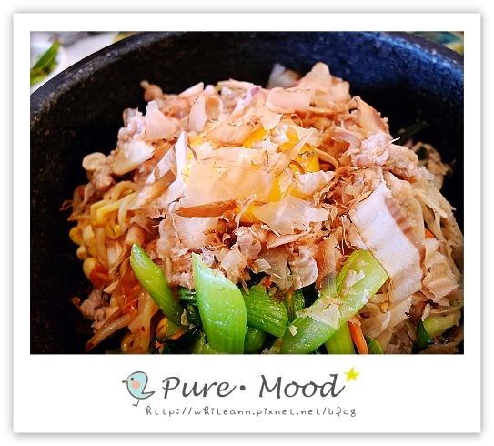 石鍋嗶嗶飯-料很豐富
