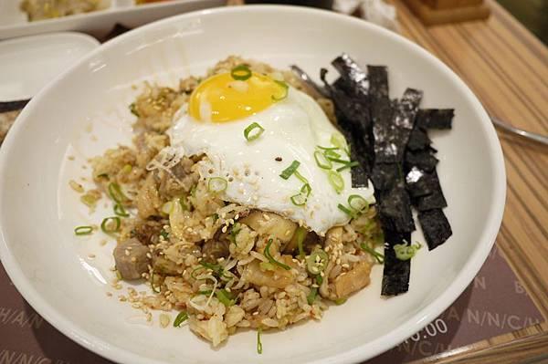 B/A/N/N/C/H/A/N 韓式泡菜炒飯