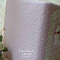 白色禮堂~粉紅菱格結婚證書夾 (背面)
