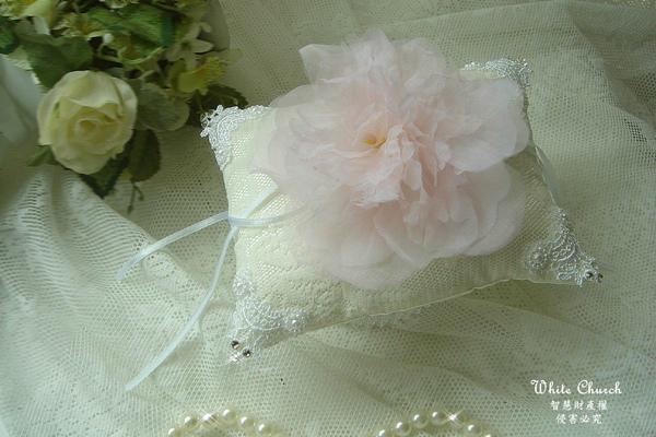 白色禮堂~99/1/25~Tina's手工婚禮戒枕
