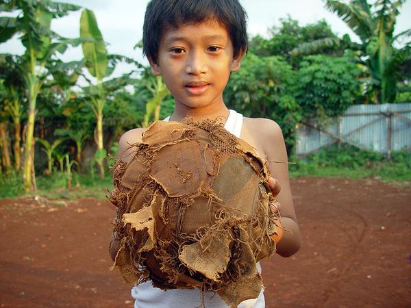 800px-Jakarta_old_football.jpg