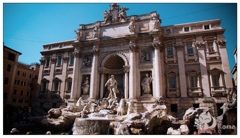 9. Fontana di Trevi1-2.jpg