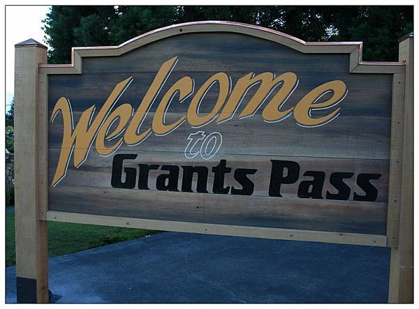 Welcome Grants Pass.jpg