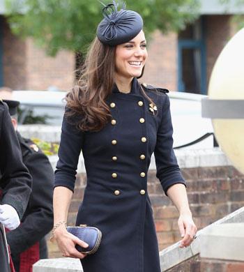Kate-Middleton-Prince-William-Irish-Guards-Ceremony-Windsor-England-06252011-Lead01