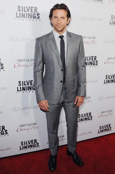Bradley-Cooper-Los-Angeles-Premiere-Silver-Linings-Playbook-wearing-tom-ford-gray-suit1