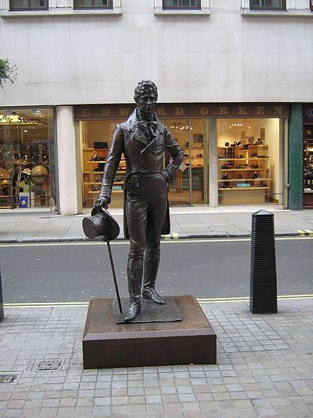 beau-brummell-statue-london