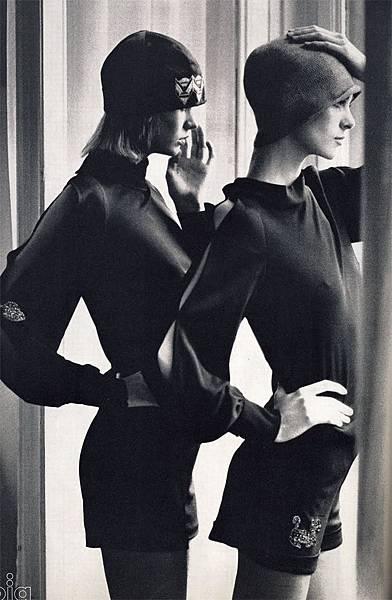 vogue_italia_april_1971_raphaelle