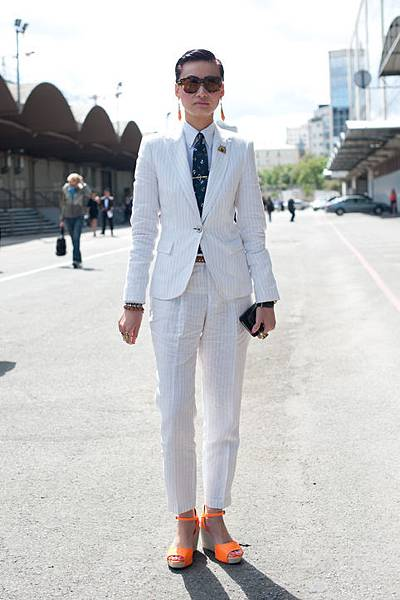 esther-quek-street-style-white-suit-h724