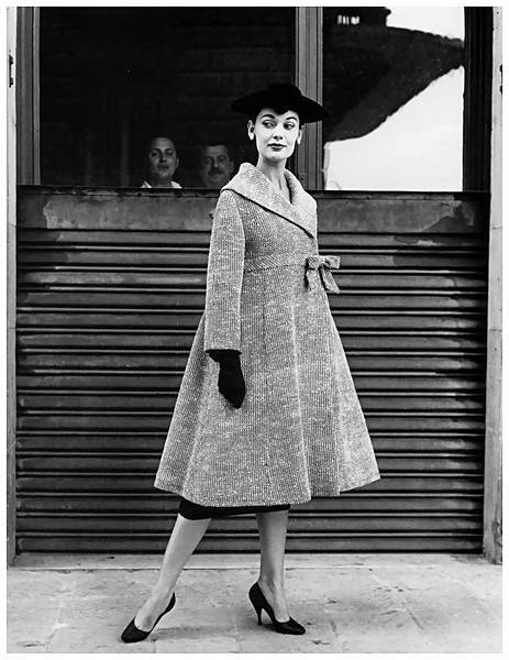 model-is-wearing-a-coat-by-simonetta-fabiani-photo-by-regina-relang-florence-italy-1955