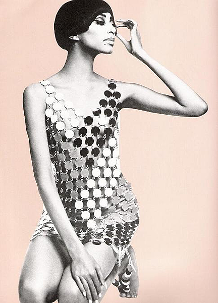 paco rabanne chainmail dress (thefashioninsider.com)