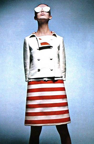 37_andre_courreges-theredlist
