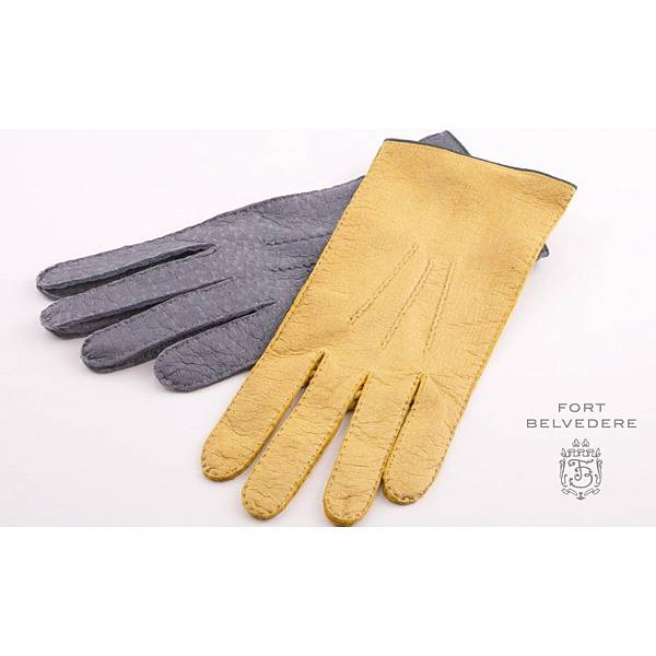 unlined_gloves_in_grey_chamois_yellow_by_fort_belvedere_1