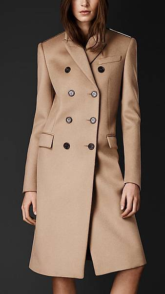 fall-winter-women-coats-by-designer-Burberry-brand-10