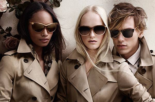 Burberry-Trench-Collection-1-e1397232485111