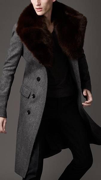 Burberry-Fur-Overcollar-Pea-Coat