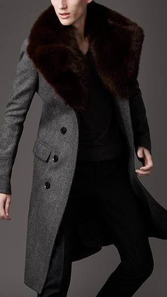 Burberry-Fur-Overcollar-Pea-Coat