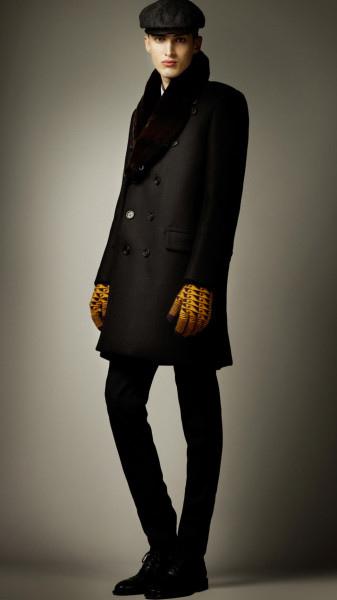 burberry-prorsum-black-fur-collar-oversize-wool-pea-coat-product-2-3948289-755077617_large_flex