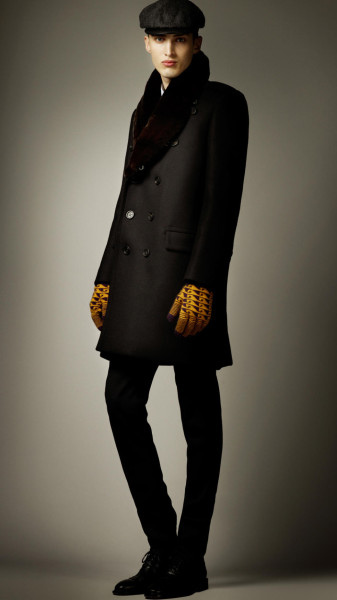 burberry-prorsum-black-fur-collar-oversize-wool-pea-coat-product-2-3948289-755077617_large_flex