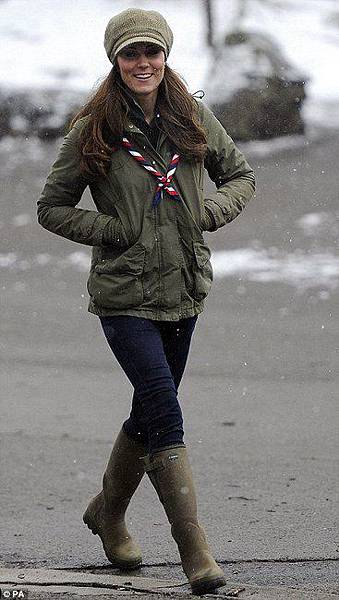 kate-middleton-and-barbour-ladies-linhope-jacket-gallery