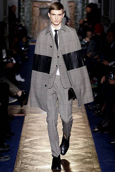 Valentino 2013 winter checked cape