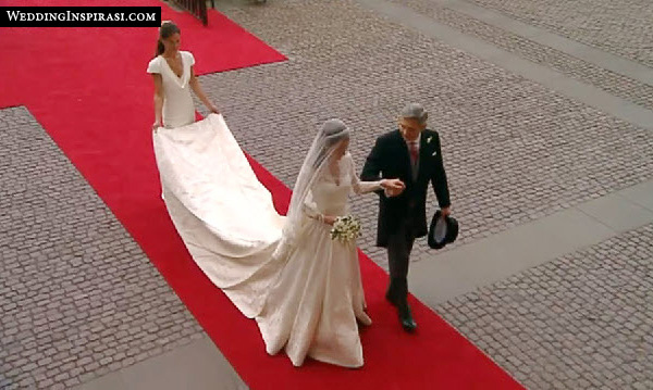 kate-middleton-wedding-dress-length