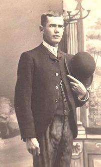 1920s-sacque-suit-left