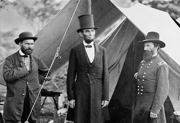 abraham-lincoln-at-sharpsburg