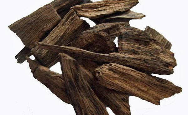 oud-agarwood.jpg