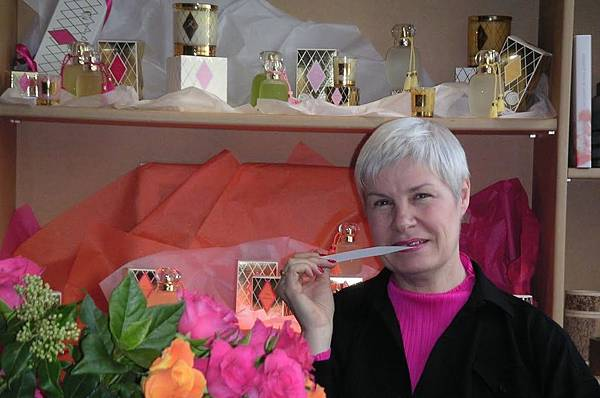 【Les Parfums de Rosine】Vive la Mariee (玫瑰心 白紗情緣)8.jpg