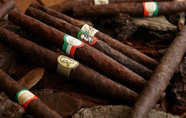 【Santa Maria Novella】Tabacco Toscano (托斯卡尼菸草)4.jpg