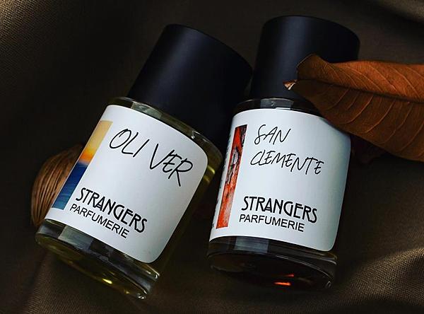 【Strangers Parfumerie】Oliver (奧立佛以你的名字呼喚我)1.png