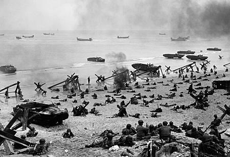 d-day-beach-landing.jpg