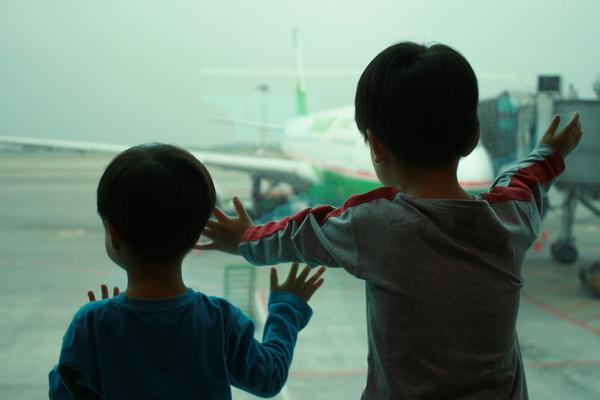 出發前二航廈凝視EVA AIR飛機.JPG