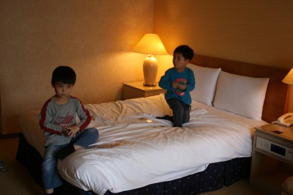 東京西新宿Hilton房內3.JPG