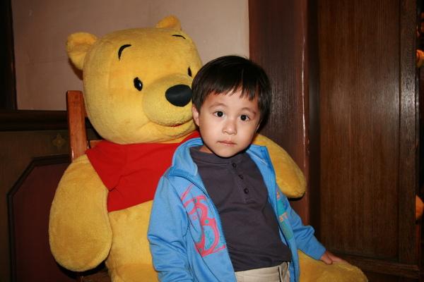 迪士尼-小熊維尼館-弟弟3.JPG