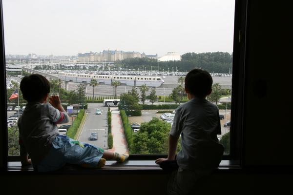 東京灣Hilton-哥哥與弟弟2.JPG