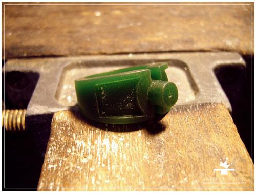 雕刻鑲鑽戒指.jpg