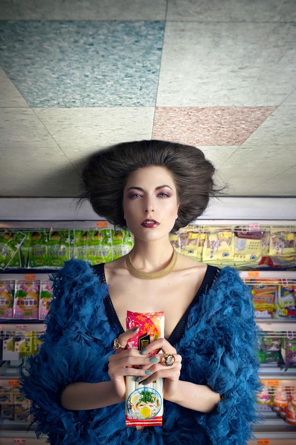 顛倒世界_Upside Down_時尚Schön! Magazine_愛麗絲夢遊仙境_Alice in Wonderland_超現實